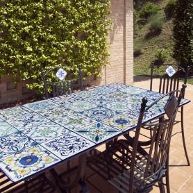 Tavolo in pietra lavica Mediterraneo